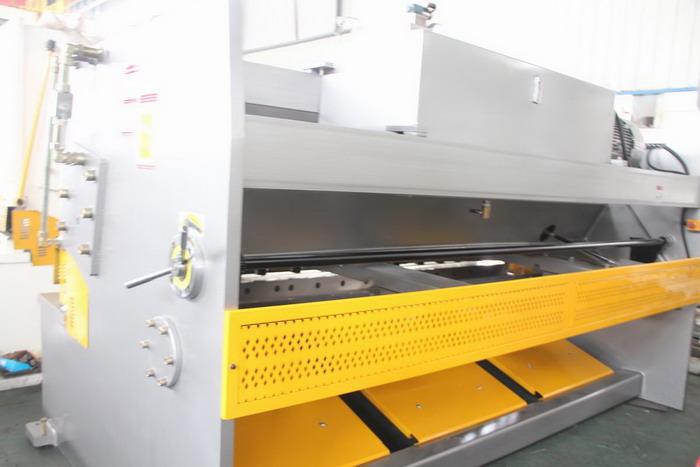 guillotine hydraulic shears